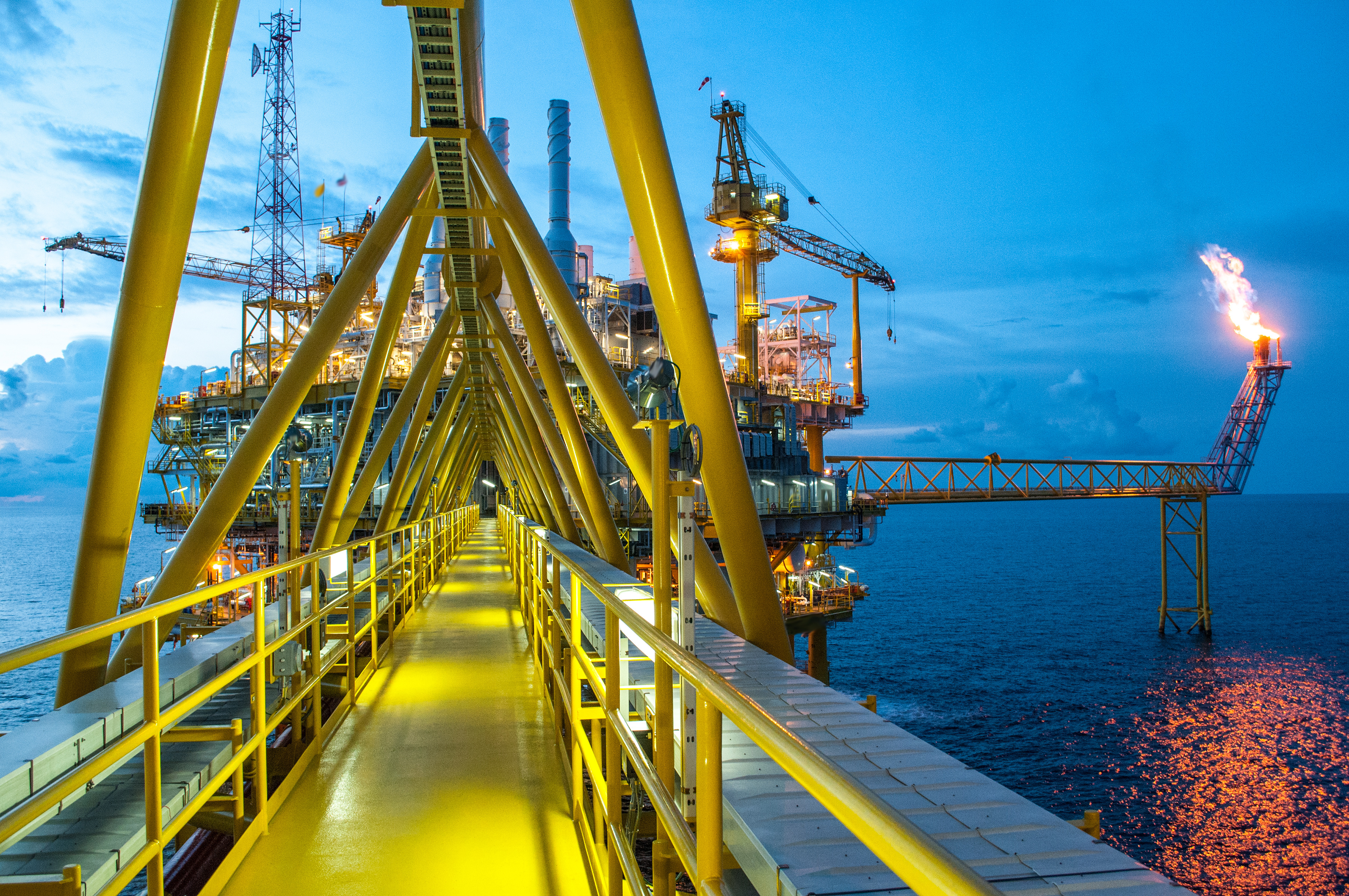 How Oil & Gas Can Reduce Risk, Stay Competitive with Integrated Records Management
